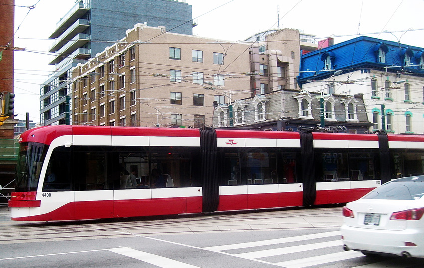 Photo of new TTC streetcar by Robert Taylor via Creative Commons